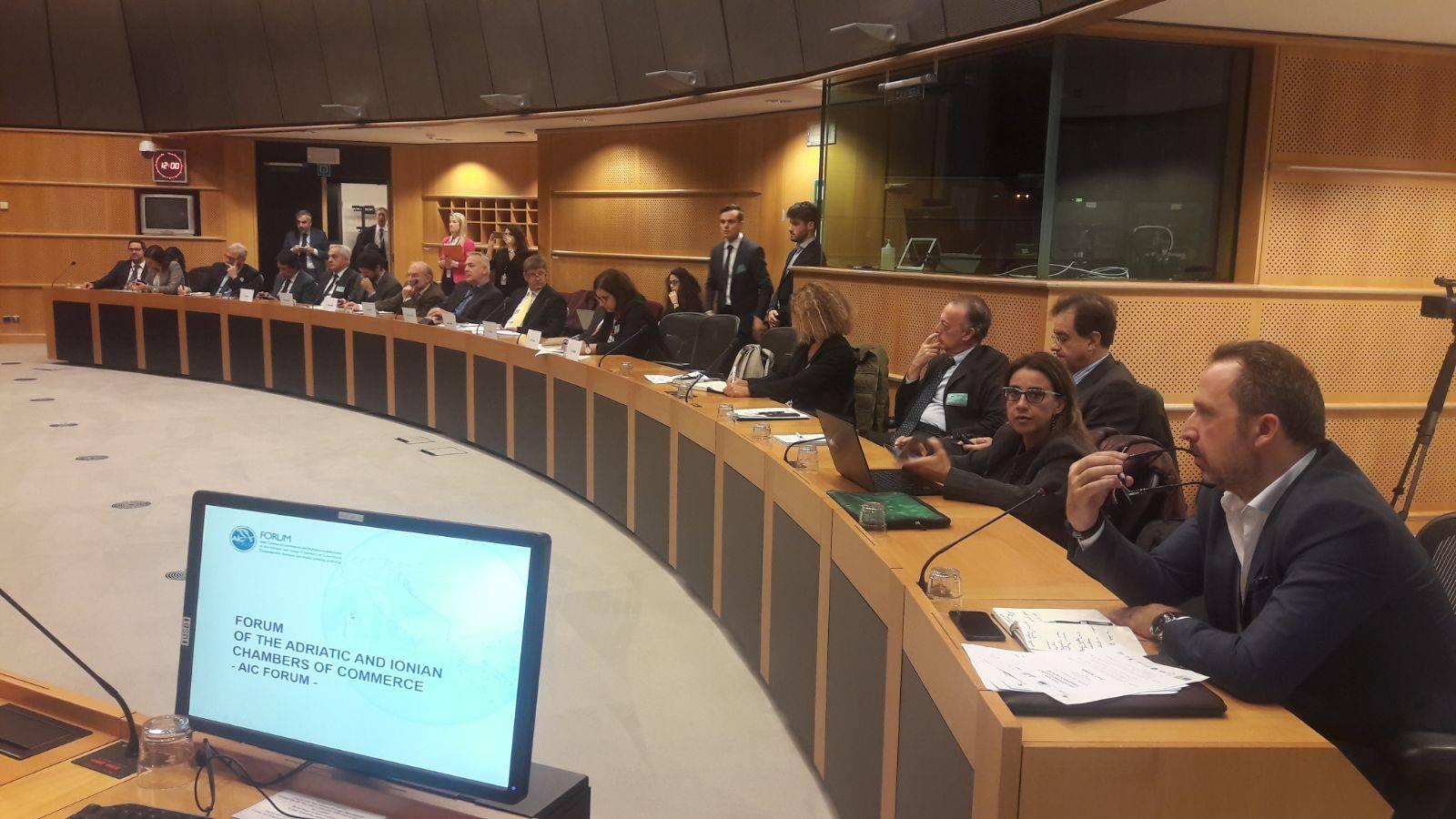 La delegazione al Parlamento Europeo di Bruxelles - foto Camera Commercio Ancona