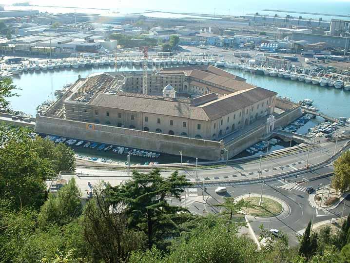 Ancona_Mole_Vanvitelliana_718x539.jpg
